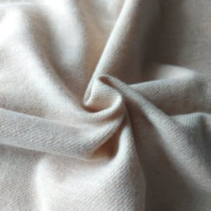 Diagonal twill natural creme thick