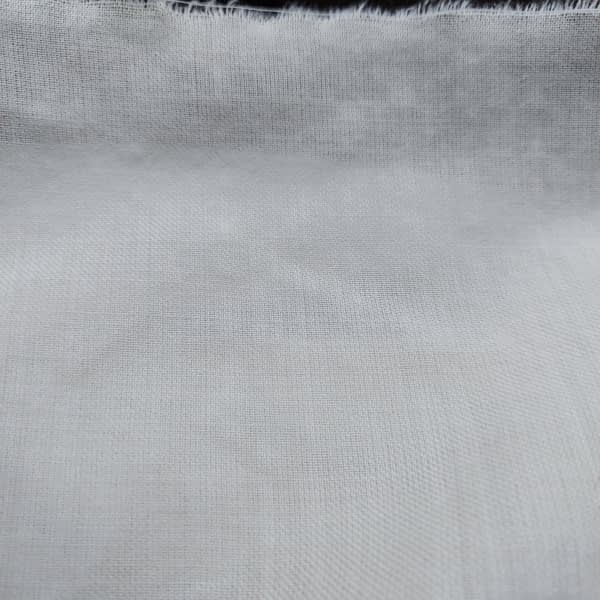 wool-plainweave-thin-white